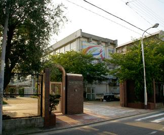 ●新喜多中学校