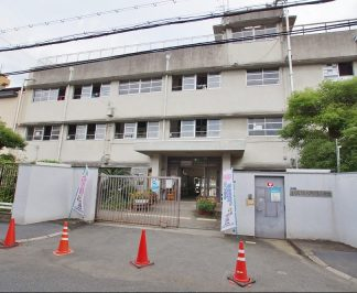 ●八戸の里小学校