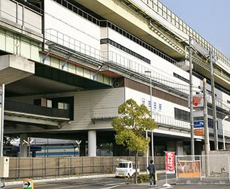 ●近鉄けいはんな線「吉田」駅